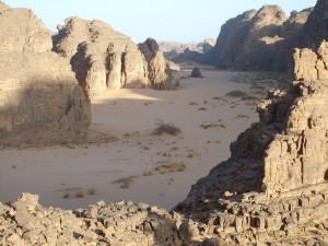Ausblick in ein Oued im Tassili N'Ajjer, Djanet